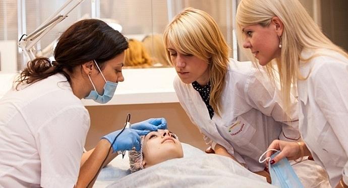 Как выбрать преподавателя перманентного макияжа?